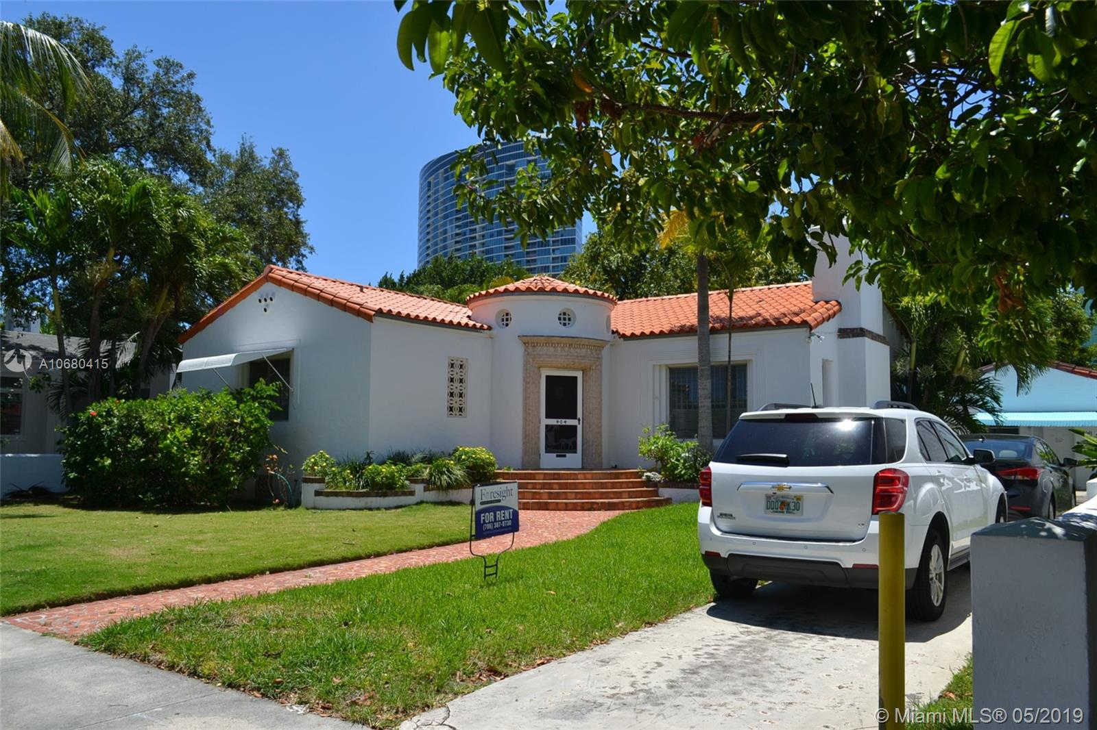 404 NE 39th St, Miami, FL 33137 now has a new price of $2,650!