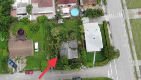 8415 nw 24th Pl, Miami, FL 33147