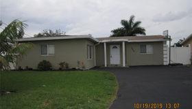 6605 Ficus Dr, Miramar, FL 33023