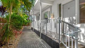 1622 Bay Rd #101, Miami Beach, FL 33139