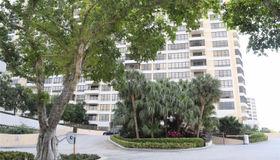 600 Three Islands Blvd #305, Hallandale, FL 33009