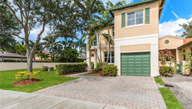 8395 nw 143rd Ter, Miami Lakes, FL 33016