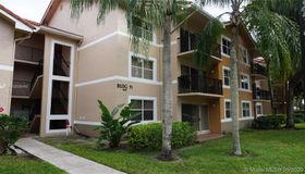 8801 Wiles Rd #103, Coral Springs, FL 33067