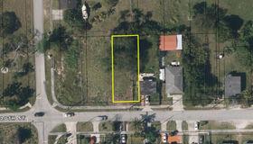 121 Avenue sw 220 Street, South Miami, FL 33170