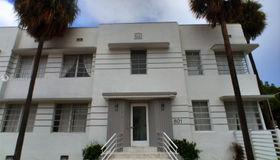 801 8th St #106, Miami Beach, FL 33139