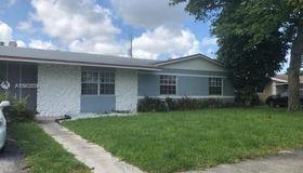65 NE 212th Ter, Miami Gardens, FL 33179