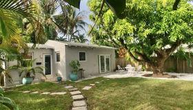 1649 Bay Dr #rear, Miami Beach, FL 33141