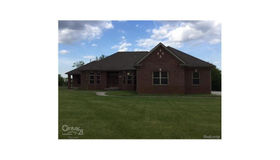 75912 Sanctuary Dr, Bruce twp, MI 48065