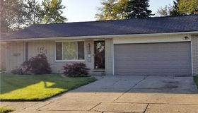 2355 Binghamton St, Auburn Hills, MI 48326