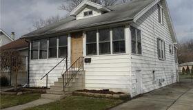 23909 Elmira St, St. Clair Shores, MI 48082