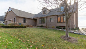 4 Rose Terrace St, Grosse Pointe Farms, MI 48236