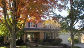 1661 Black Maple Dr, Rochester Hills, MI 48309