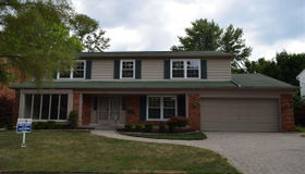 754 Briarcliff, Grosse Pointe Woods, MI 48236