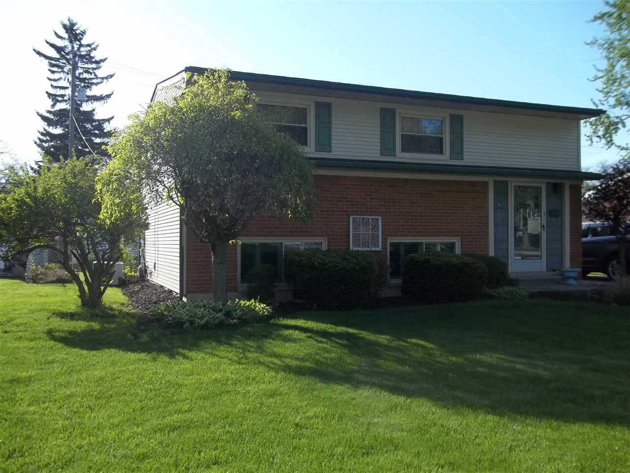 522 Donnalee Drive, Monroe, MI 48162 now has a new price of $128,500!