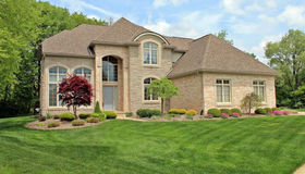 61160 Palomino crt, South Lyon, MI 48178