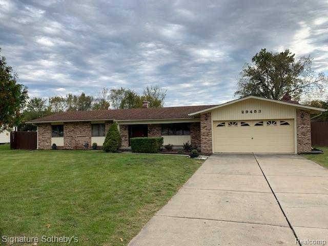 29453 Geraldine Rd, Famington Hills, MI 48336 now has a new price of $249,000!