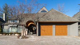 30 Scenic Oaks Dr N, Bloomfield Hills, MI 48304