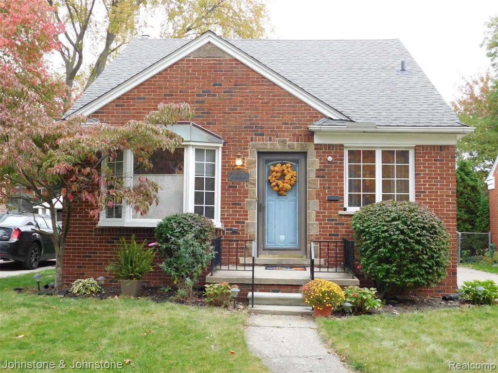Another Property Sold - 1968 Oxford Rd, Grosse Pointe Woods, MI 48236
