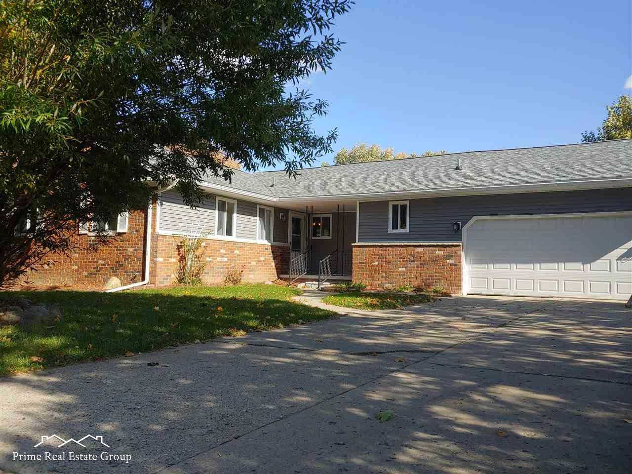 4513 Old Carriage, Flint, MI 48507 now has a new price of $144,900!