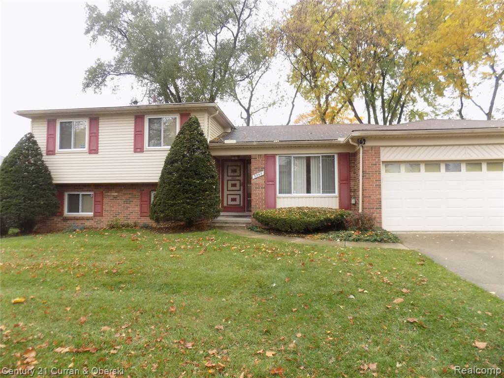 3757 Kings Point Dr, Troy, MI 48083 is now new to the market!