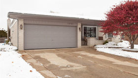 13741 Grove Park Dr, Sterling Heights, MI 48313