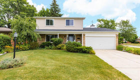 34010 Foxboro Rd, Sterling Heights, MI 48312