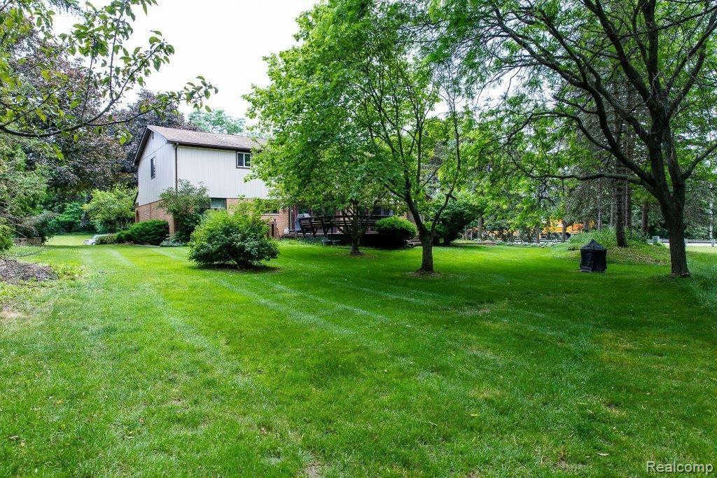 Another Property Sold - 29509 Mayfair Dr, Famington Hills, MI 48331