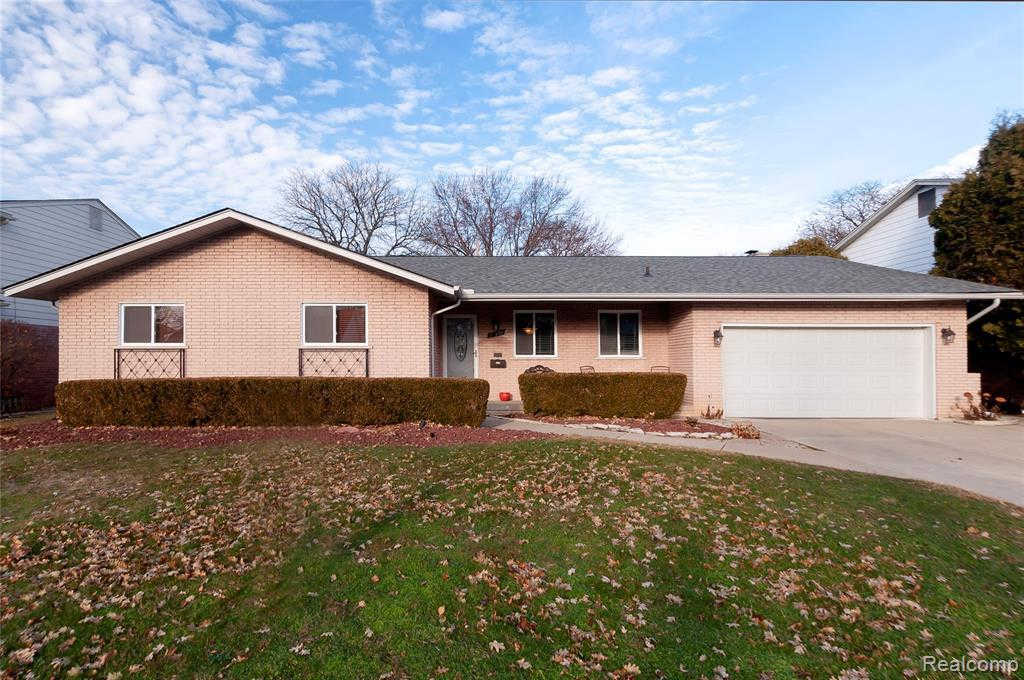 Another Property Sold - 750 Canterbury Rd, Grosse Pointe Woods, MI 48236