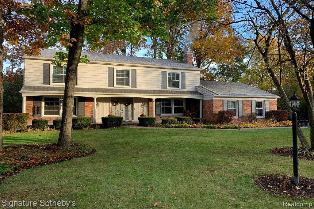 31488 Old Cannon Rd, Beverly Hills, MI 48025 now has a new price of $579,000!