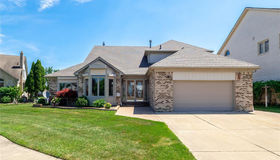 51366 Sandshores Dr, Shelby twp, MI 48316