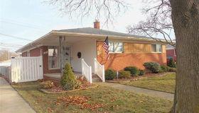 1851 Grange Rd, Trenton, MI 48183