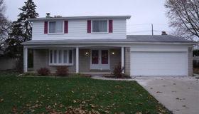 38210 Sarnette St, Clinton Township, MI 48036