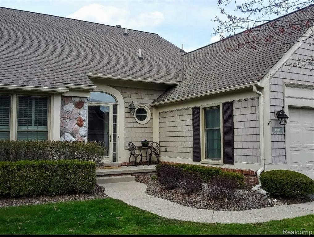 881 Tartan TRL, Bloomfield Hills, MI 48304 has an Open House on  Sunday, March 15, 2020 1:30 PM to 3:30 PM