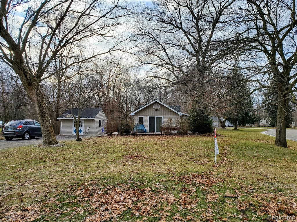 Another Property Sold - 727 Reynolds Dr, Waterford, MI 48328