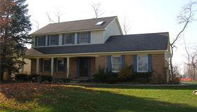 747 Kentucky Dr, Rochester Hills, MI 48307
