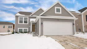 8617 Manistee River Dr, Fowlerville, MI 48836
