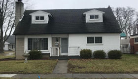 29611 Newport Dr, Warren, MI 48088