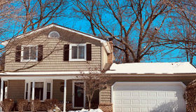 3431 Regency Dr, Lake Orion, MI 48359