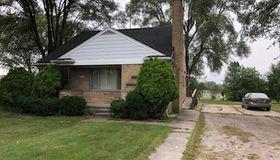 30625 Hoover Rd, Warren, MI 48093