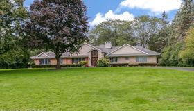 4840 Stoneleigh Rd, Bloomfield Hills, MI 48302