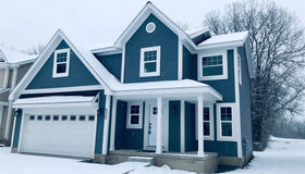 525 South Winding Dr, Waterford, MI 48328