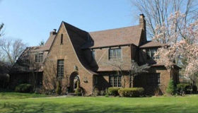 514 Lochmoor Blvd, Grosse Pointe Woods, MI 48236