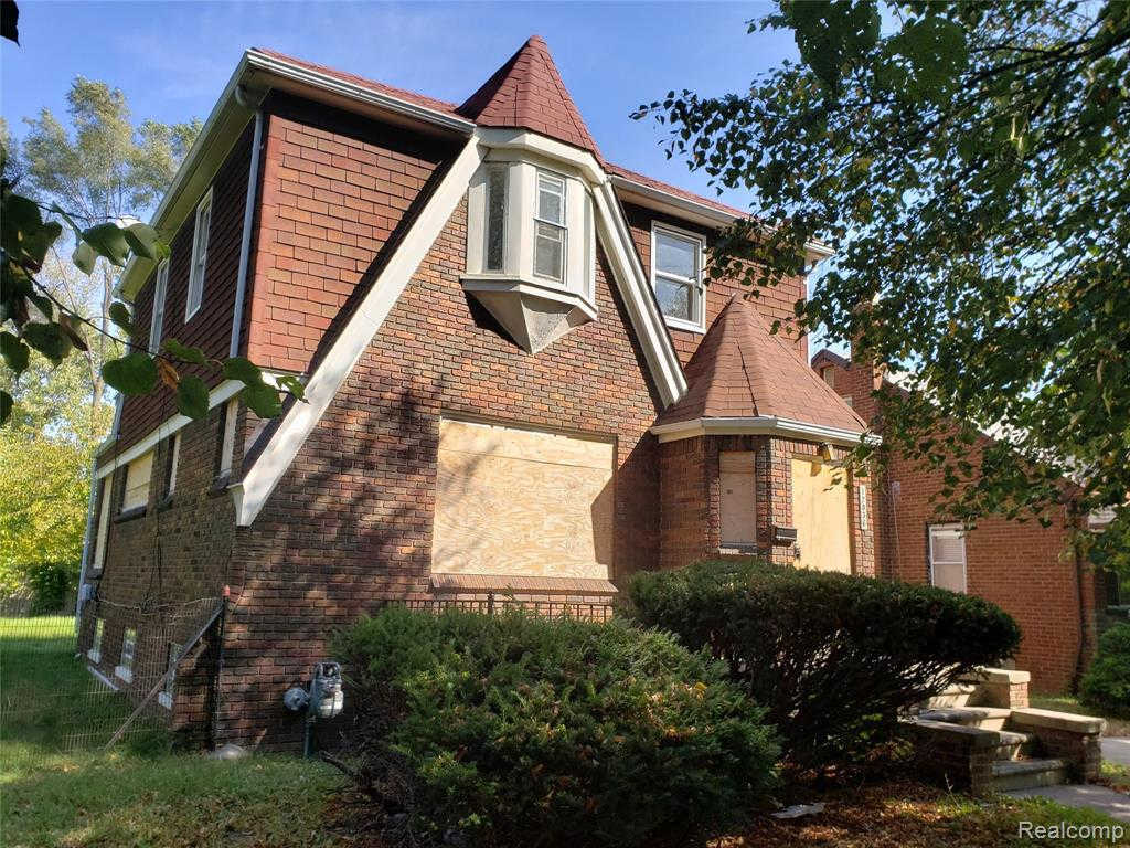 12836 Dresden St, Detroit, MI 48205 is now new to the market!