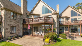 50739 Harbour View Dr S, New Baltimore, MI 48047