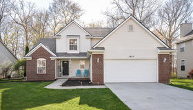 1825 Wooded Valley Ln, Howell, MI 48855