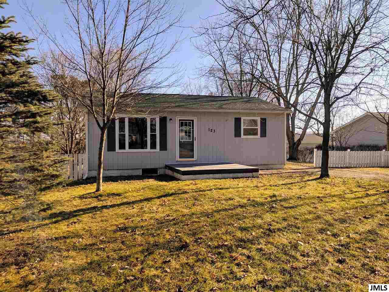 Another Property Sold - 123 Lumbard, Hillsdale, MI 49242