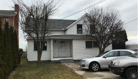 29900 Jefferson Ave N, St. Clair Shores, MI 48082