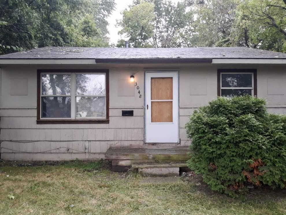 3048 Stratford Street, Flint, MI 48504 now has a new price of $29,900!