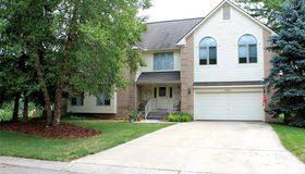 5345 Pond Bluff, West Bloomfield, MI 48323