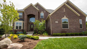 68230 Hillside Ln, Washington twp, MI 48095